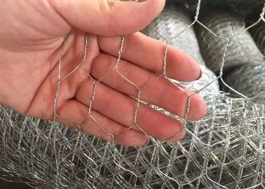 "China 1/ 2 "" Galvanized Woven Hexagonal Wire Mesh Chicken Wire Mesh 0.5 mm 4ft * 50m supplier"