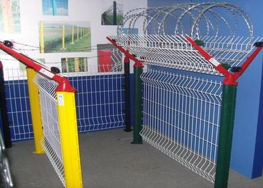 China Plastic Coating Security Iron Wire Mesh Fence Airport Fence Metal Fence Powder Coating supplier