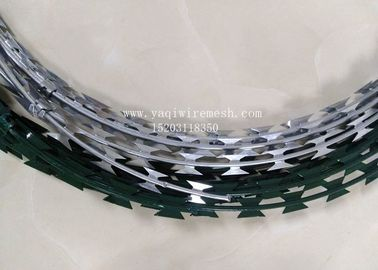China 450mm Hot Dip Razor Barbed Wire Galvanized Steel BTO-22 For Security Fence supplier