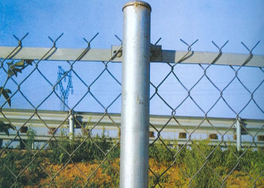 China 14 Gauge Diameter Protecting Chain Link Security Fence With 57 Mm Hole Opening supplier