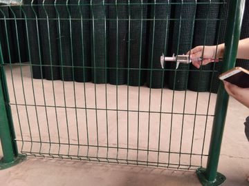 China 50*200MM Triangular Bending Heavy Duty Wire Fence Panels Pvc Coated 6ft Height supplier