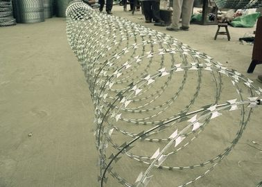 China Galvanized Bto 22 Concertina Razor Barbed Wire *10kg Roll*450 MM Diameter supplier