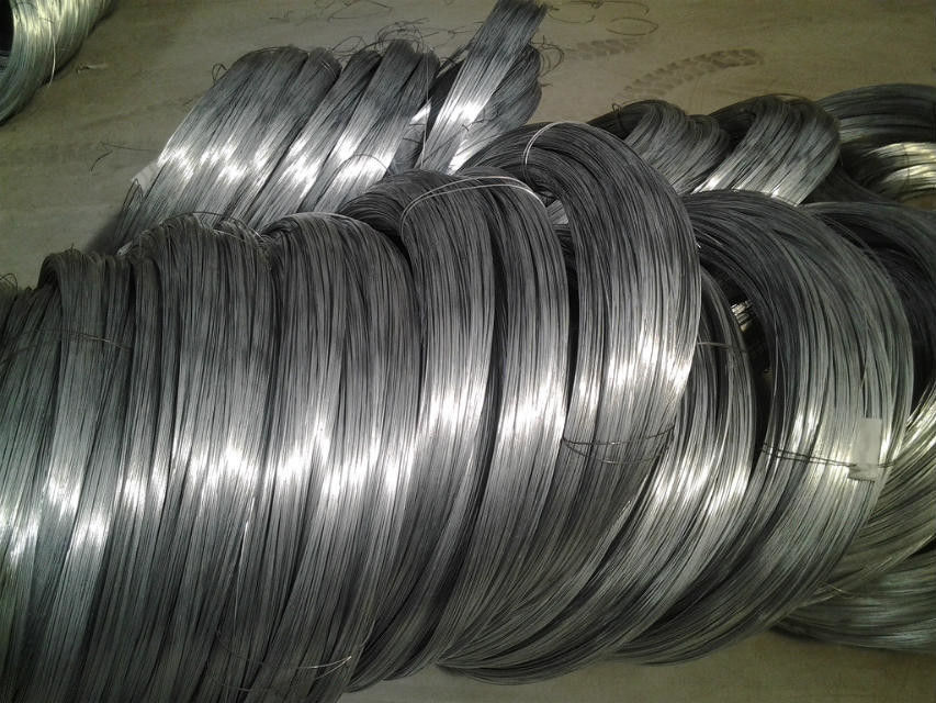 High Carbon Spring Steel Wire Black Oiled or Galvanized 1 . 2 mm And 2mm