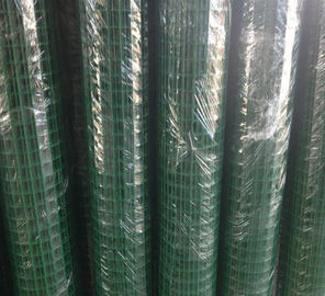 China Weld Heavy Gauge Wire Mesh Fencing Green Wire Fencing Roll Carbon Steel Materials factory