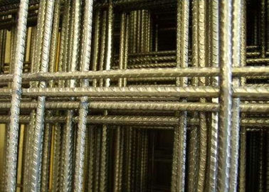 China 1 M  x 2 M  Effective Building Welded Wire Mesh Panel 10 x 10 cm Hole factory