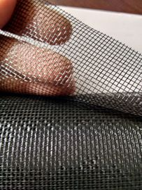 China 18 * 16 Mesh Fiberglass Window Screens 0.31mm Wire Thickness OEM Service factory