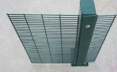 China PVC Coating 358 Wire Mesh Fence High Security Wire Prison Fence 2-3m Length factory