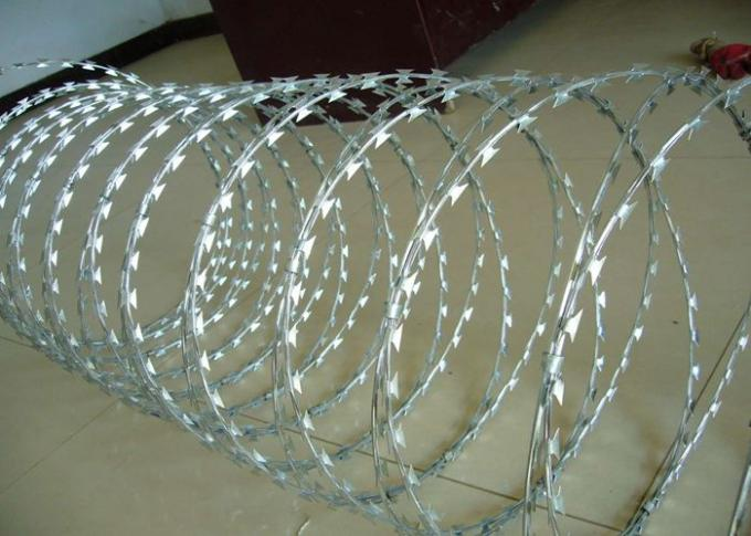 BTO-22 Galvanized Razor Barbed Wire for Protection Military Security Fence