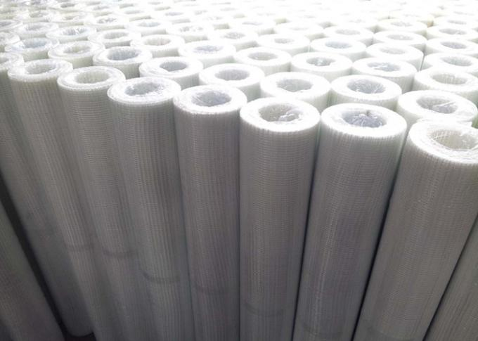 White 75g Alkali Resistant Fiberglass Wall Covering With 5  x 5  Mesh Size