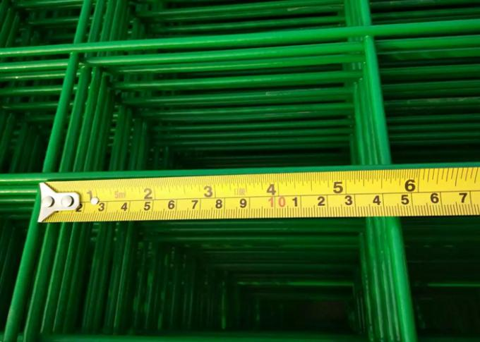 4 . 5 mm PVC Coated Wire Fence Panels , Dark Green Outdoor Fence Metal Fence