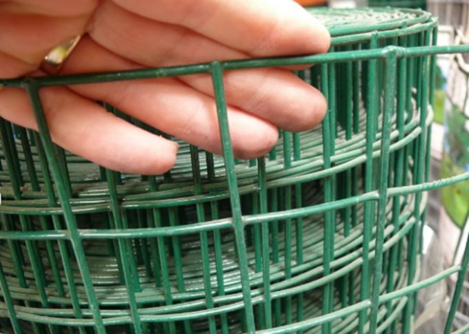 Weld Heavy Gauge Wire Mesh Fencing Green Wire Fencing Roll Carbon Steel Materials