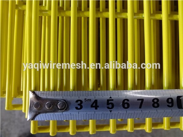 Green Plastic Coating Wire Mesh Garden Fencing 358 Security For Airport Protect
