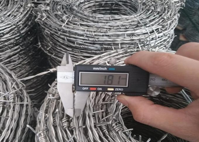 12*14 Bwg Galvanized Barbed Wire Positive Use With Protective Fence