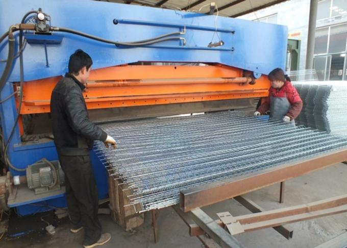 Hot Dipped Galvanized Welded Panel For Construction 5mm*60mm*60mm*1.2m*2.4m