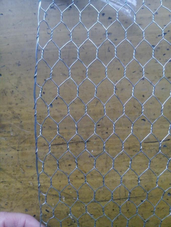 "1/ 2 "" Galvanized Woven Hexagonal Wire Mesh Chicken Wire Mesh 0.5 mm 4ft * 50m"